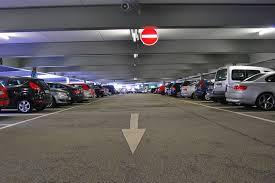 Cara Parkir Mobil Dengan Baik Dan Benar